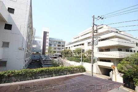 シャトー赤坂台2012