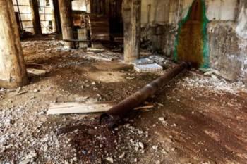 古い配管の部屋